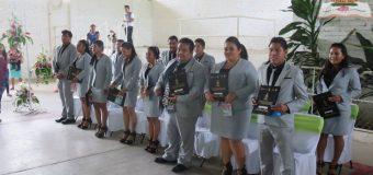 Ceremonia de graduación en Ayutla de los Libres