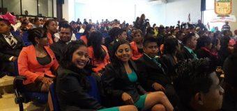 Ceremonia de graduación en la Ciénega