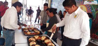Partida de Rosca de Reyes en la UIEG