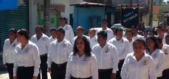 Asistencia del rector y directivos al desfile del 20 de noviembre en Ayutla de los Libres