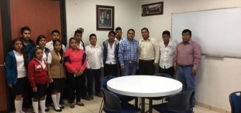 Visita guiada de  los jóvenes próximos a egresar del Bachillerato Intercultural plantel 006 de Agua Tordillo, Mpio. de Acatepec